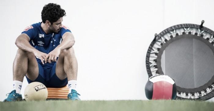 Sem chegadas nem saídas, zaga do Cruzeiro é o único setor 'intocável' do mercado da Raposa