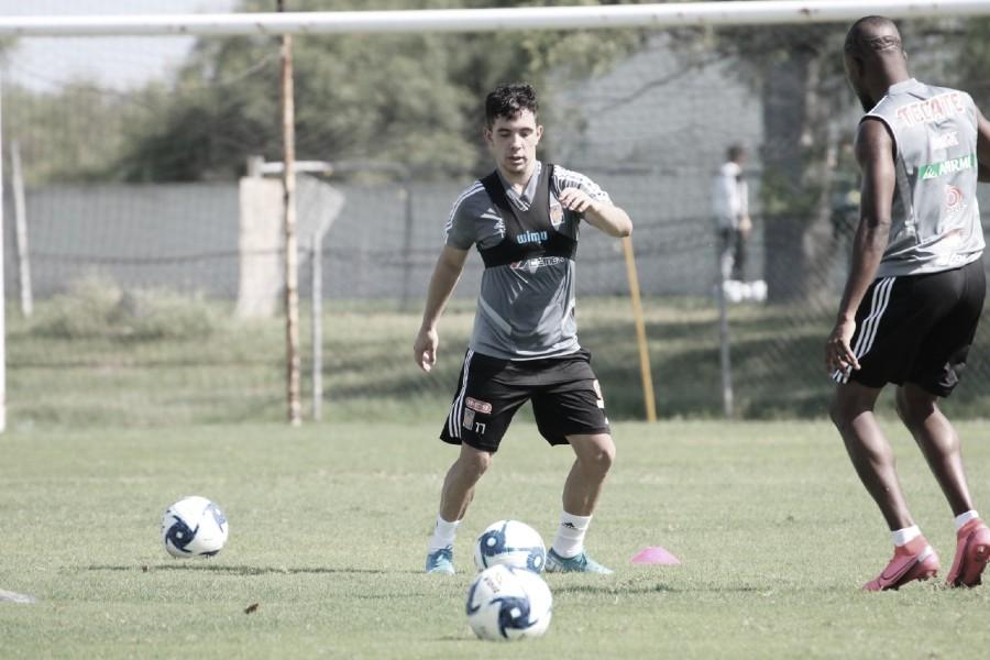 """Leo Fernández y el auxiliar """"Chima"""" Ruiz se integran a las prácticas de Tigres"""