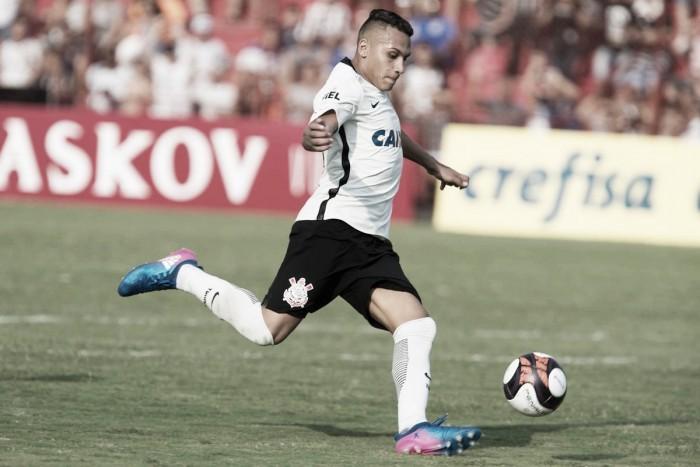 Corinthians confirma venda de jovem atacante Léo Jabá para equipe russa