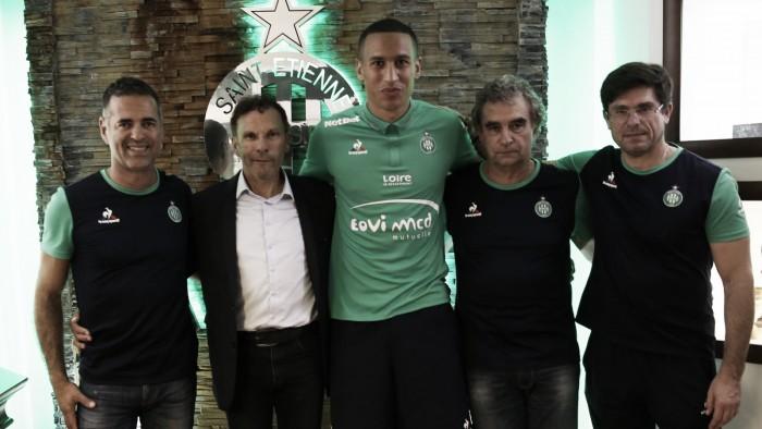 Saint-Étienne anuncia zagueiro suíço Léo Lacroix por quatro temporadas