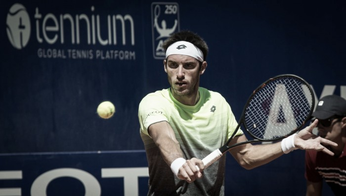 Leo Mayer sufre para ganar en Buenos Aires