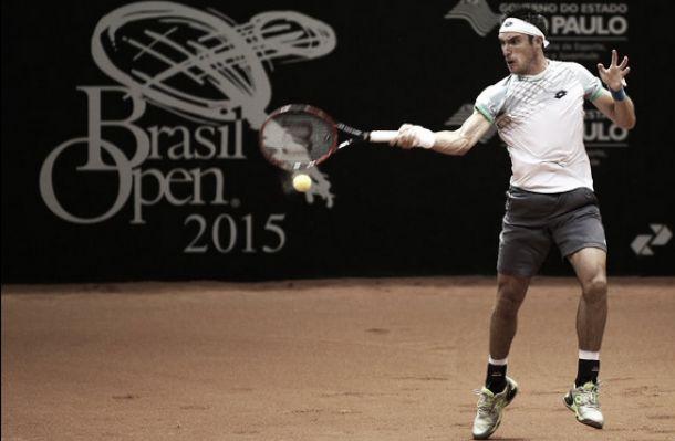 Leo Mayer y un buen comienzo en Brasil