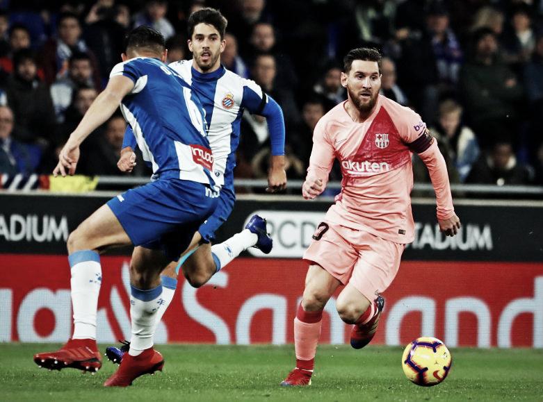 Messi arrasa al Espanyol para poner al Barça más líder