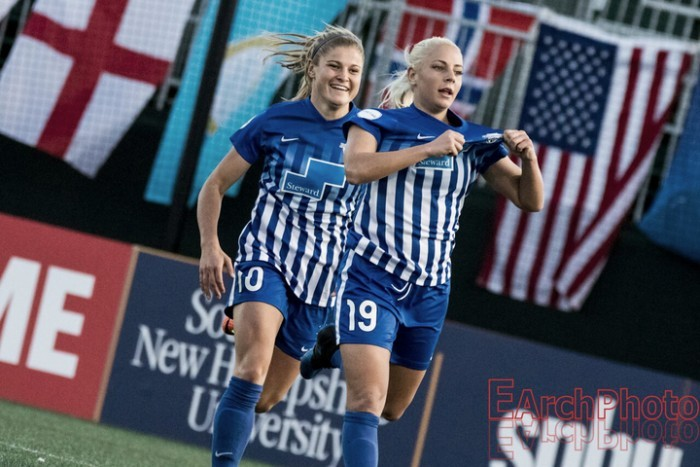 Boston Breakers' Adriana Leon named Player of the Week