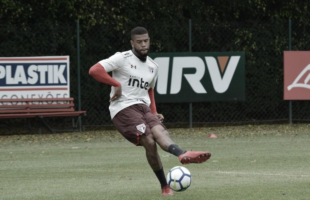 São Paulo rescinde contrato com Junior Tavares e Marquinhos Calazans