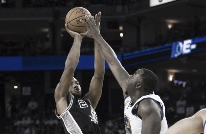 Spurs vence Warriors fora de casa em noite inspirada de Kawhi Leonard e Aldridge