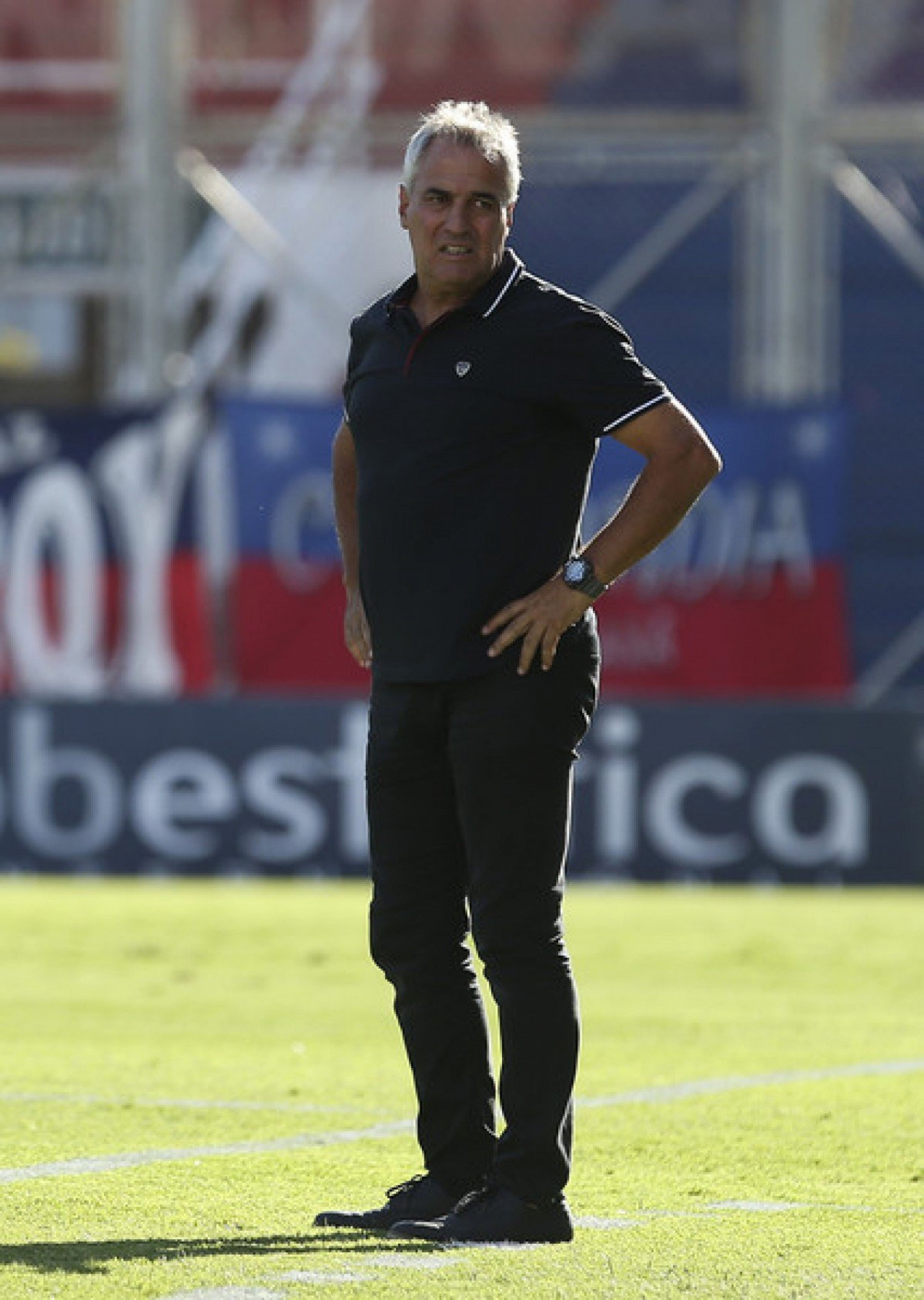 """Leonardo Madelón: """"El riego de la cancha es por pedido de los jugadores"""""""