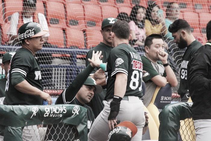Juan Francisco y Leones arrollan a Rieleros