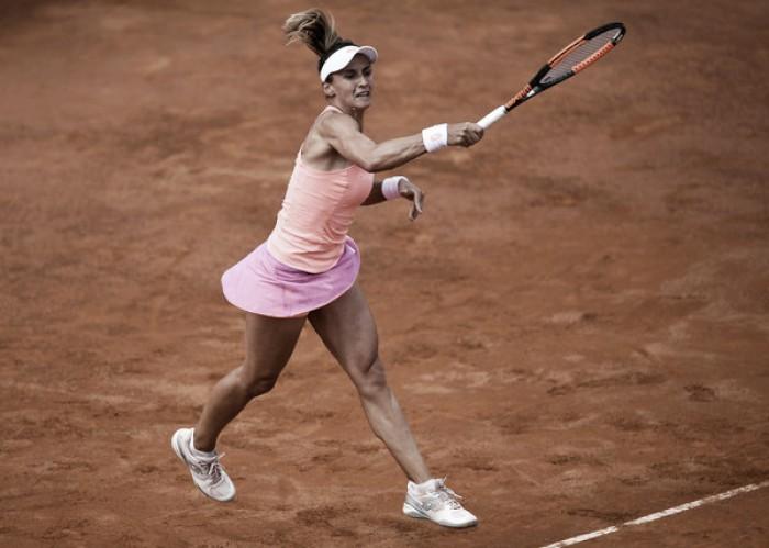 French Open: Lesia Tsurenko shocks Ekaterina Makarova in straight sets