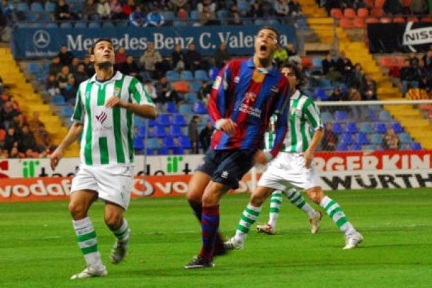 Enfrentamientos históricos: Córdoba CF - Levante UD