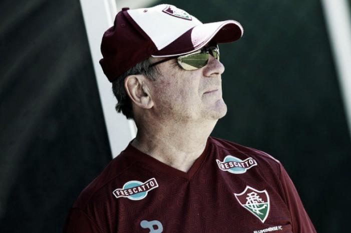 """Levir Culpi rasga elogios a Cícero: """"Um dos jogadores mais importantes do Brasil"""""""