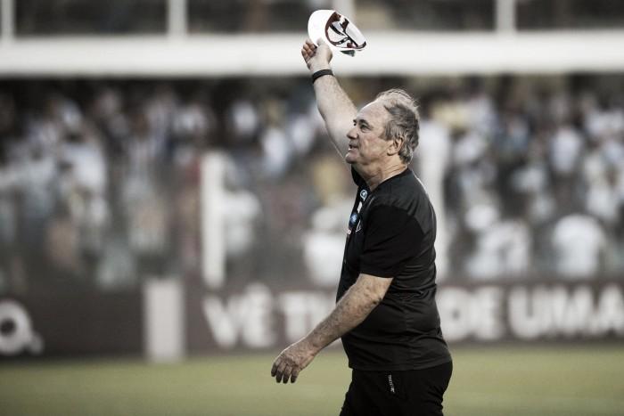 """Após empate no Equador, Levir elogia atuação do Santos: """"Estou muito feliz"""""""