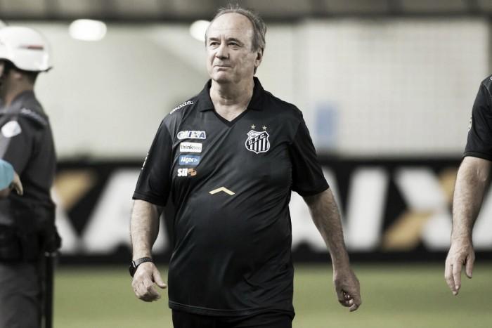 """Levir comenta onda de protestos após Santos voltar a vencer: """"Há uma pressão em excesso"""""""