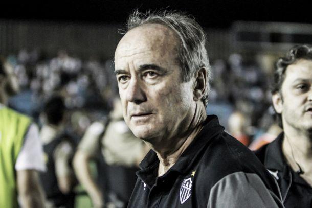 Levir Culpi elogia atuação de jogadores na derrota para o São Paulo