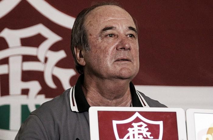 Após reunião com Peter Siemsen, Levir Culpi continua no Fluminense