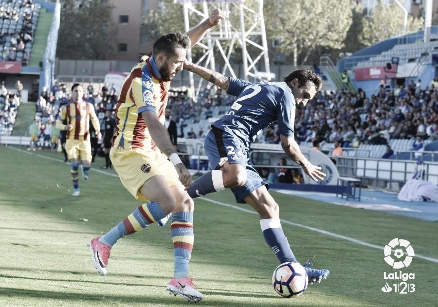 Morales y Damián en un encuentro entre Getafe y Levante / Foto: La Liga