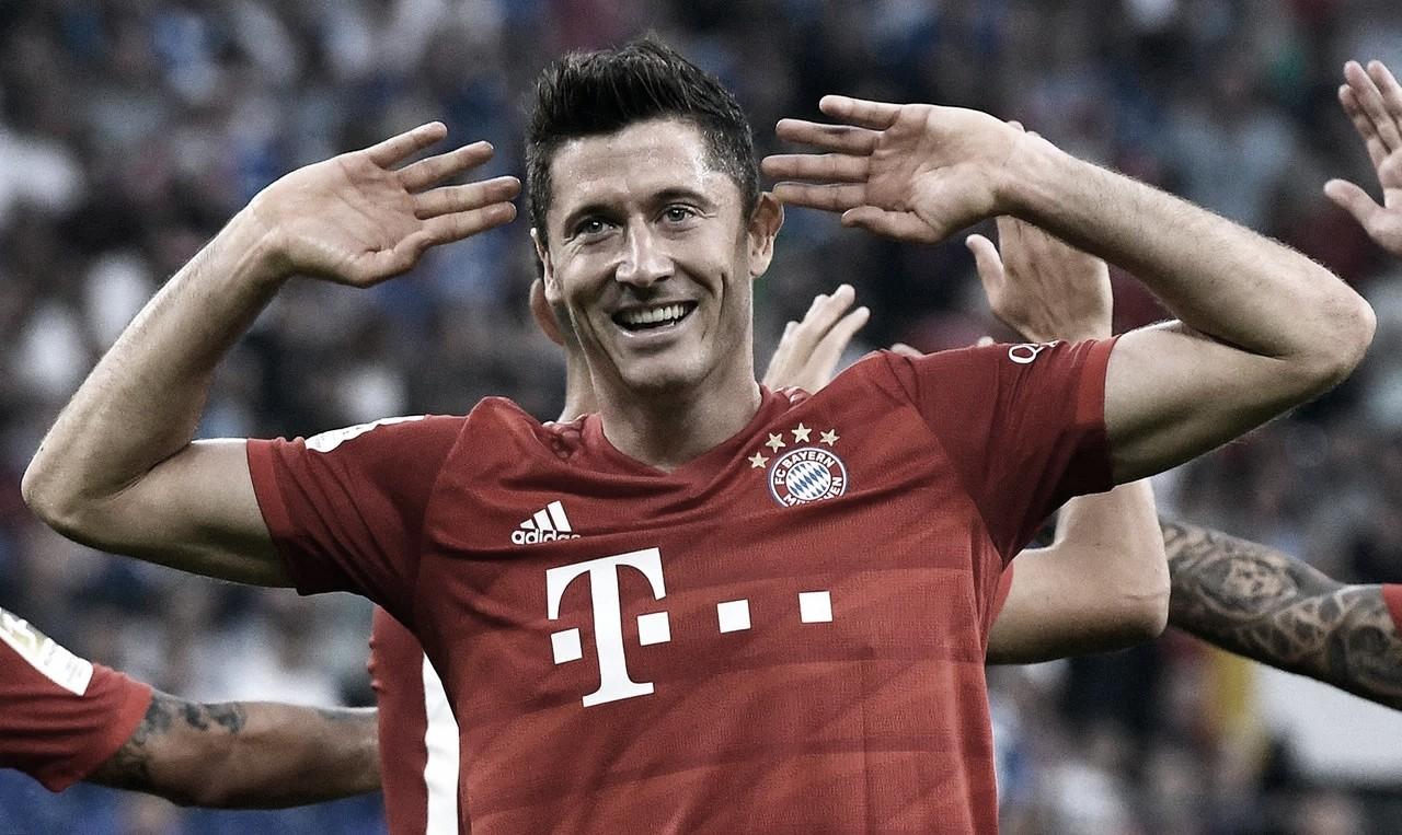 Com show de Lewandowski, Bayern bate Schalke 04 e conquista primeiro triunfo na Bundesliga
