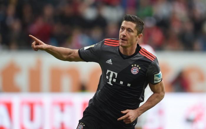 Champions League - Lewa spacca tutto. Il Bayern vince in rimonta sul campo del PSV (1-2)