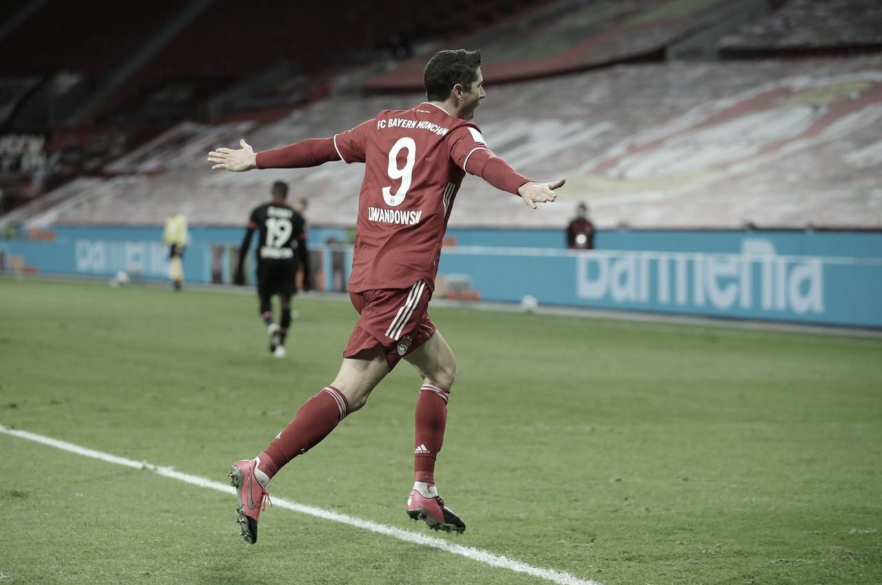 Lewandowski da el liderato navideño al Bayern