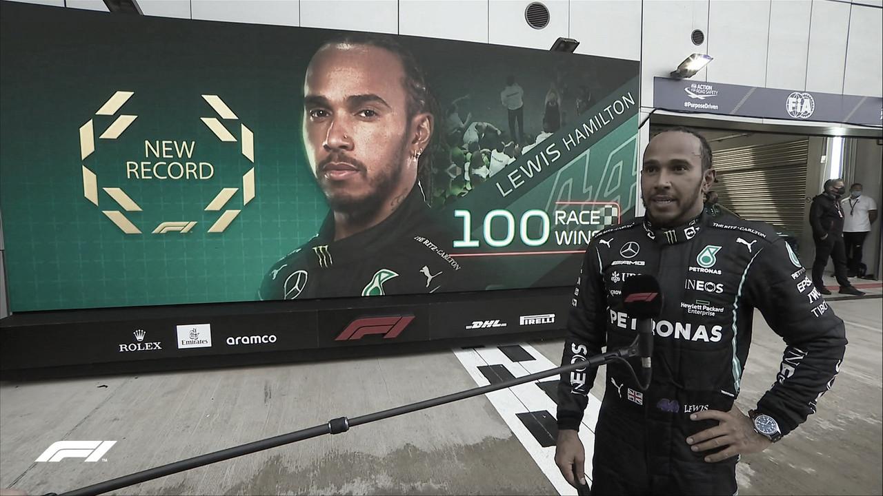 Hamilton conquista 100ª vitória na Fórmula 1 no maluco e molhado GP da Rússia 2021