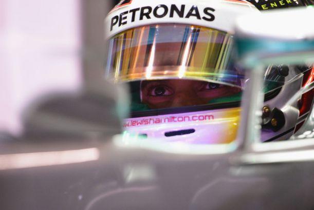 Shanghai: Hamilton in pole position sotto la pioggia, Alonso quinto