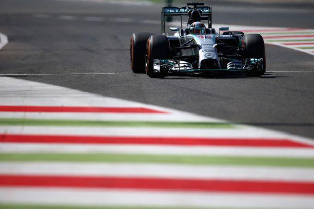 GP d'Italia, Monza: Hamilton torna in pole, indietro le Ferrari