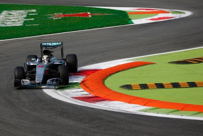 Imbatíveis, Mercedes fecha sexta-feira na frente, Massa melhora mas fica apenas com o 10º