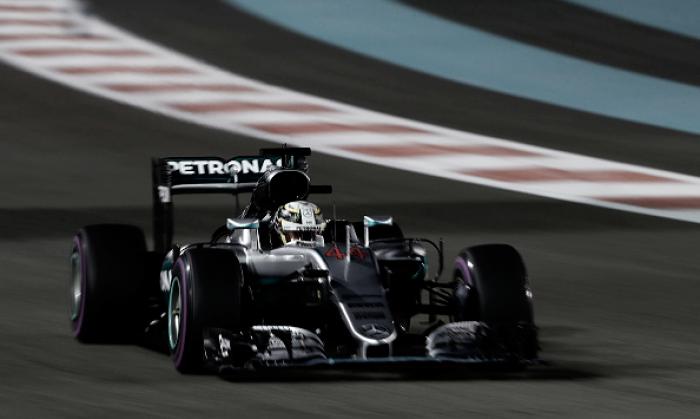 Lewis Hamilton logra la 'pole' y pasa toda la presión a Nico Rosberg