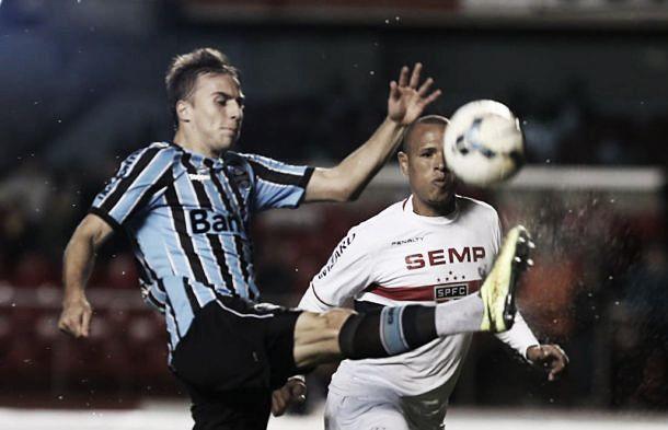 De volta ao Morumbi, São Paulo vence o Grêmio e se aproxima dos líderes do Brasileirão