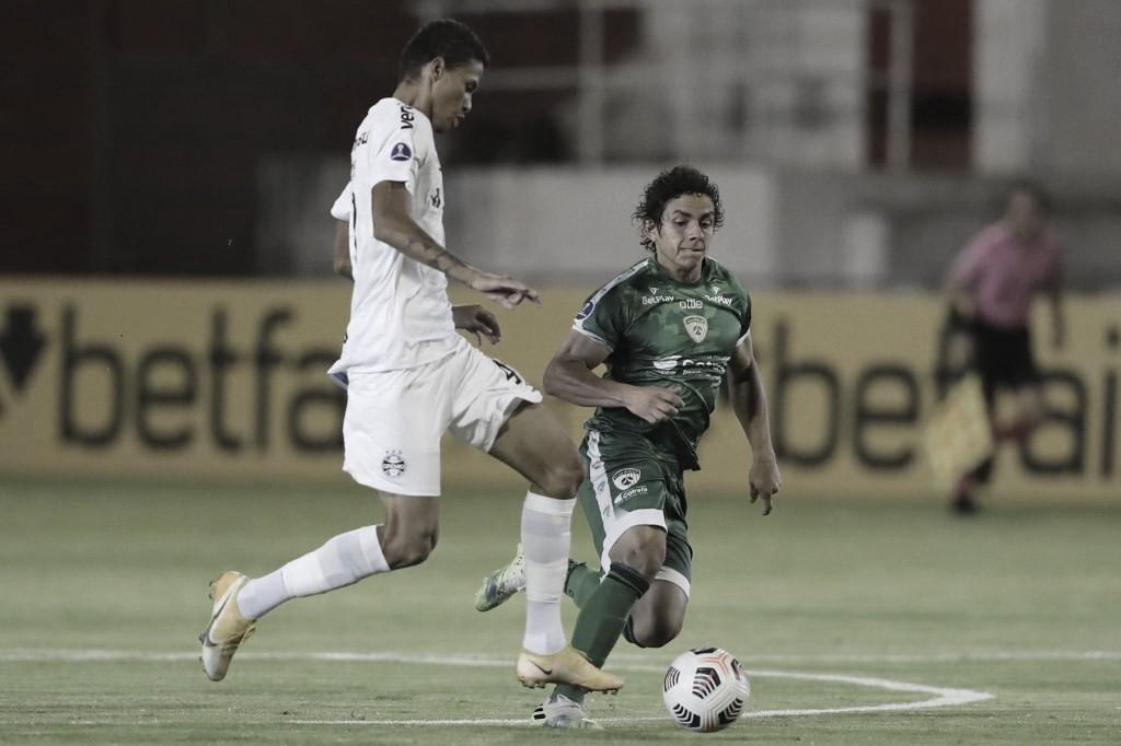 Com dois jogadores a mais, Grêmio perde pênalti e fica no empate com La Equidad