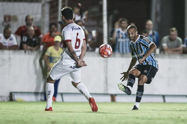 São Luiz e Grêmio empatam sem gols na partida de ida da semifinal do Gauchão