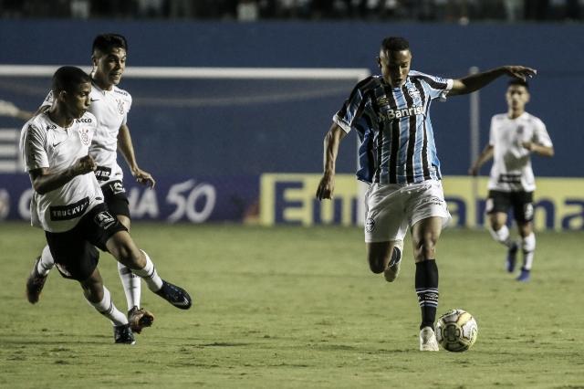 Corinthians vence Grêmio e avança para a semifinal da Copa SP
