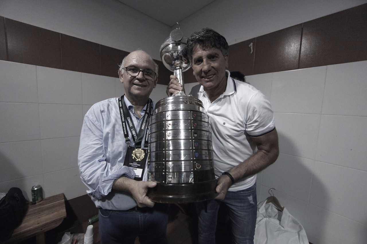 Renato renova com Grêmio e frustra o Flamengo, que pensa em Abel Braga para 2019