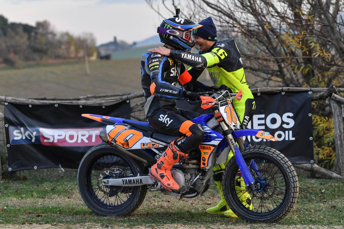 Valentino Rossi y Luca Marini se someten al test de hermanos