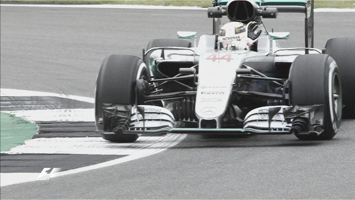 Hamilton edges Rosberg in opening practice session