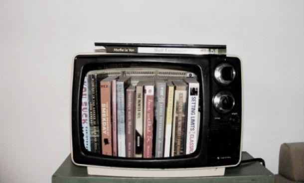Las librerías se llenan de caras televisivas
