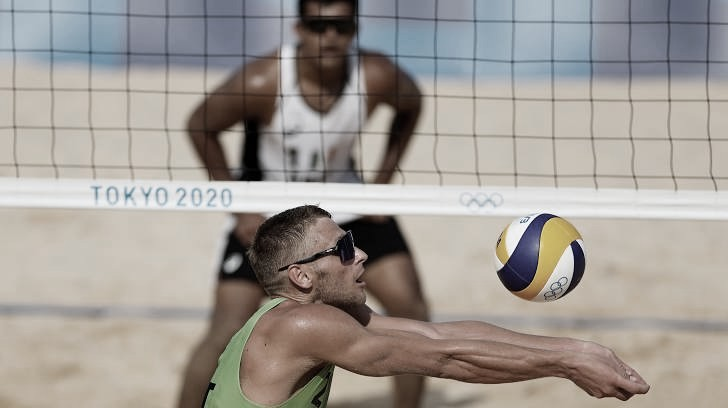 Resultado Sorum/Mol (NOR) x Plavins/Tocs (LET) no vôlei de praia masculino nas Olimpíadas (2-0)