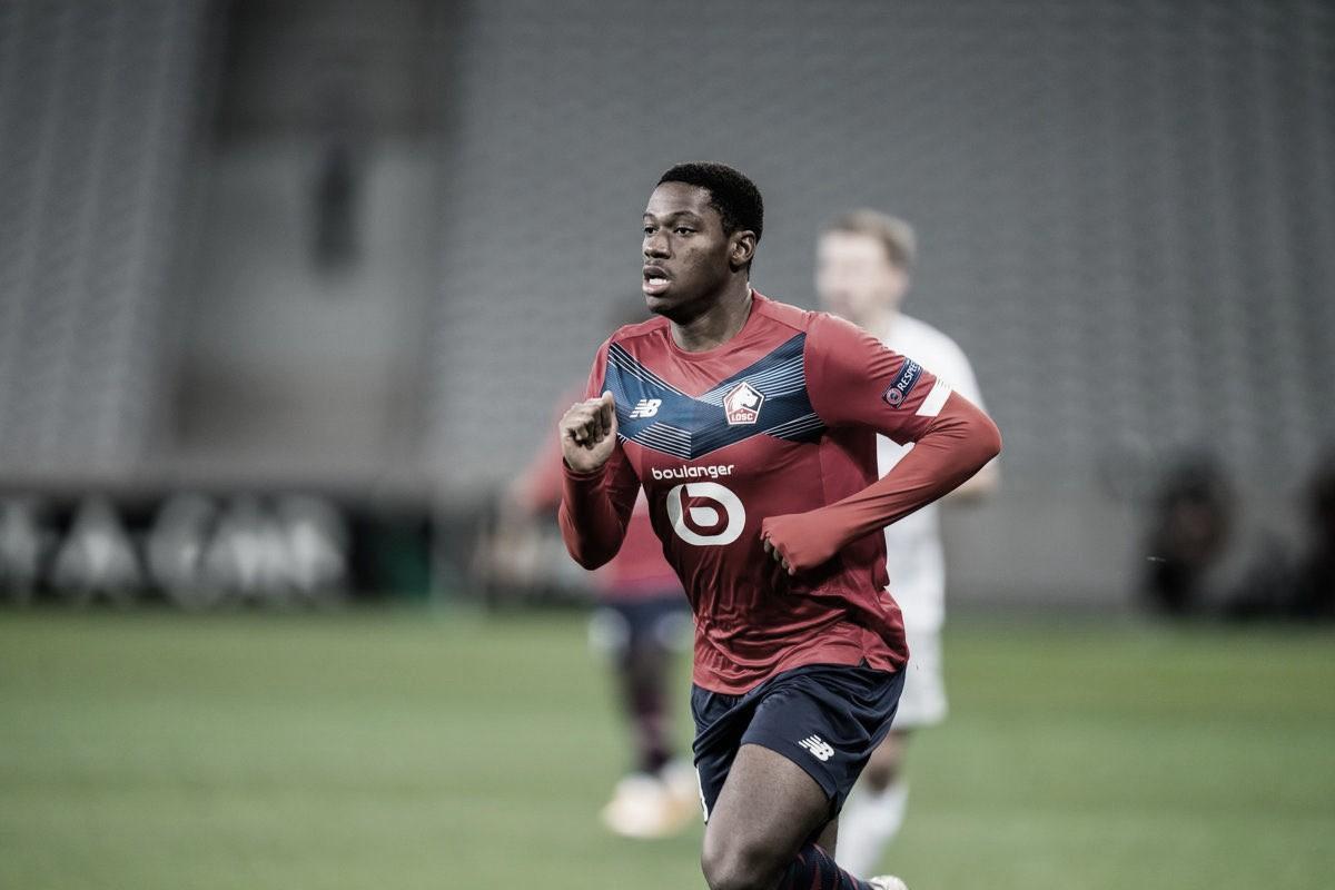 Jonathan David salva, e líder Lille vence Olympique de Marseille