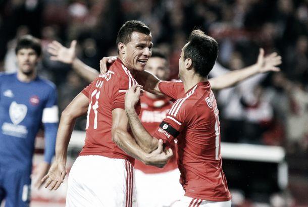 Jonas com sumo de Lima na Liga: parceria do Benfica soma 18 golos