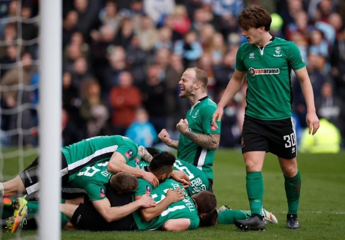 Il sabato di F.A. CUP: miracolo Lincoln! Il Boro vince a fatica, il City va al replay; Ranieri out