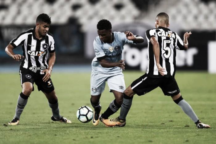 """Jogadores do Grêmio destacam empenho e lamentam derrota para Botafogo: """"Criamos bastante"""""""