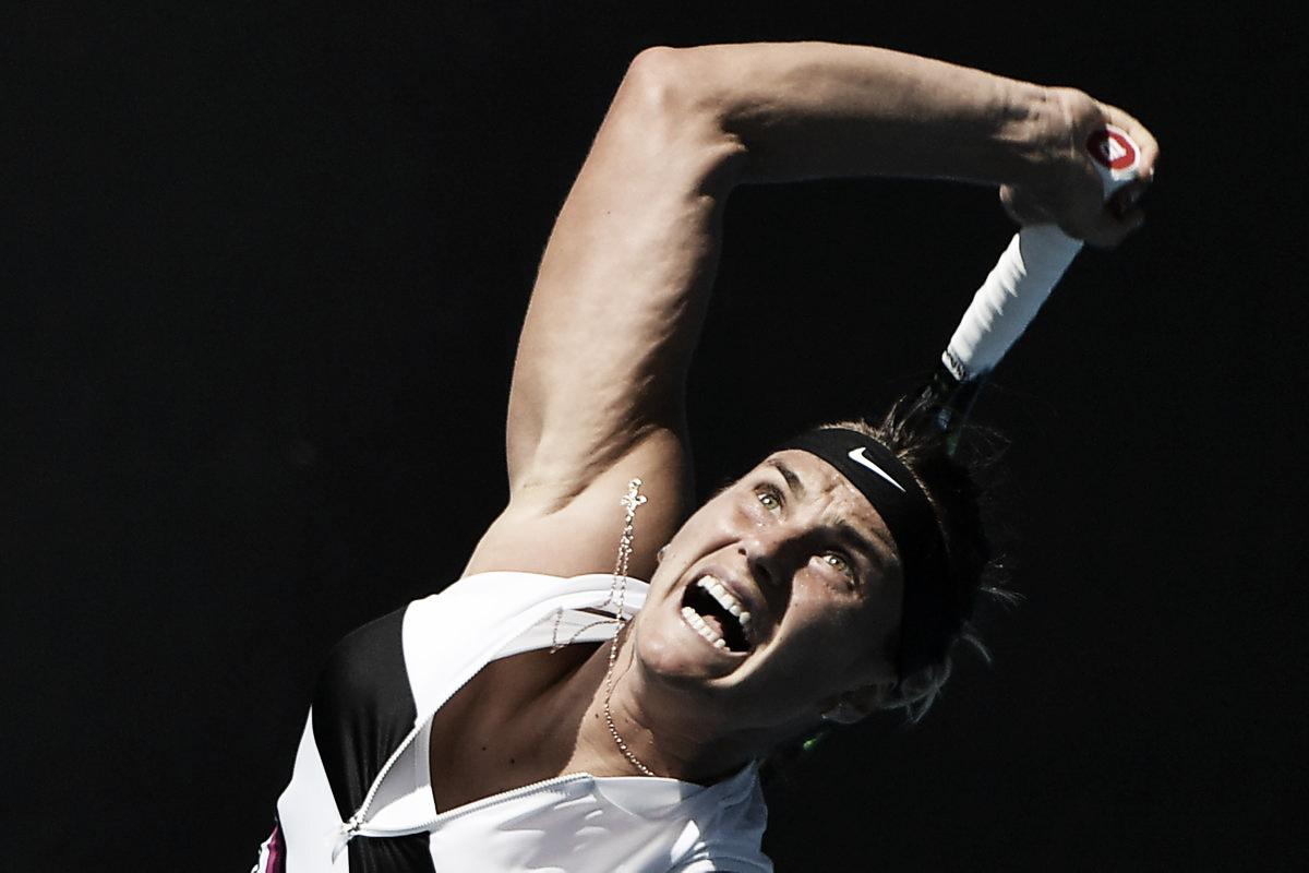 Garcia, Sabalenka e Vekic confirmam favoritismo e passam bem na estreia do Australian Open