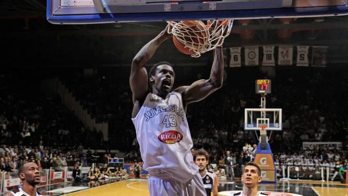 Basket - Linton Johnson torna a Caserta, Metreveli e Jackson a Scafati