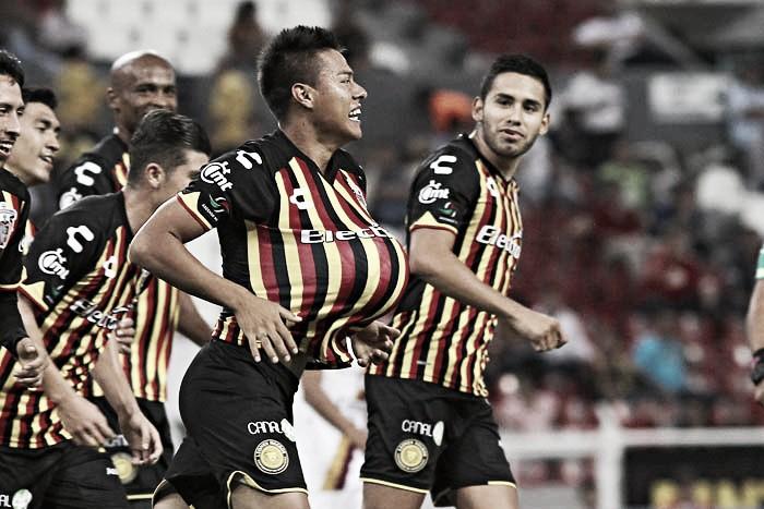 Leones Negros aplastó a Coras y avanzó a Octavos de Copa