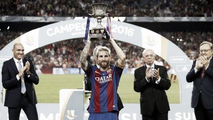 Messi alza su primer título como capitán