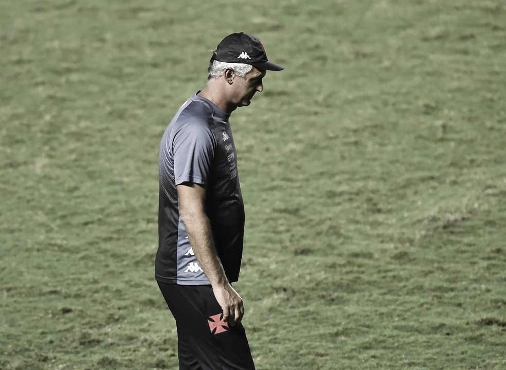 Longe do G-4, Vasco anuncia saída do técnico Lisca