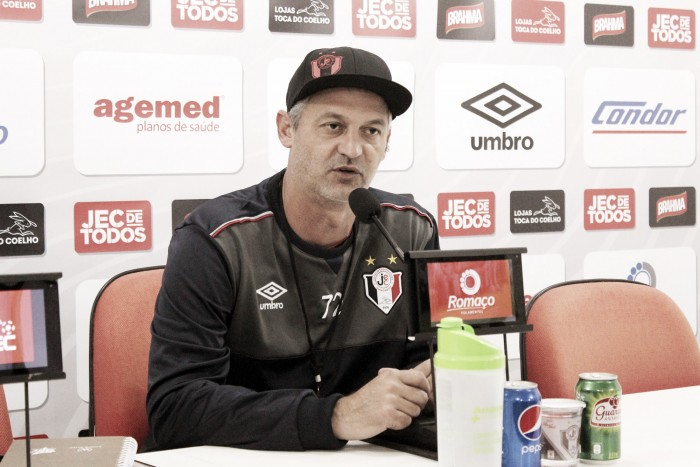 """Lisca culpa erros na finalização na derrota para o Bragantino: """"Não fomos efetivos"""""""