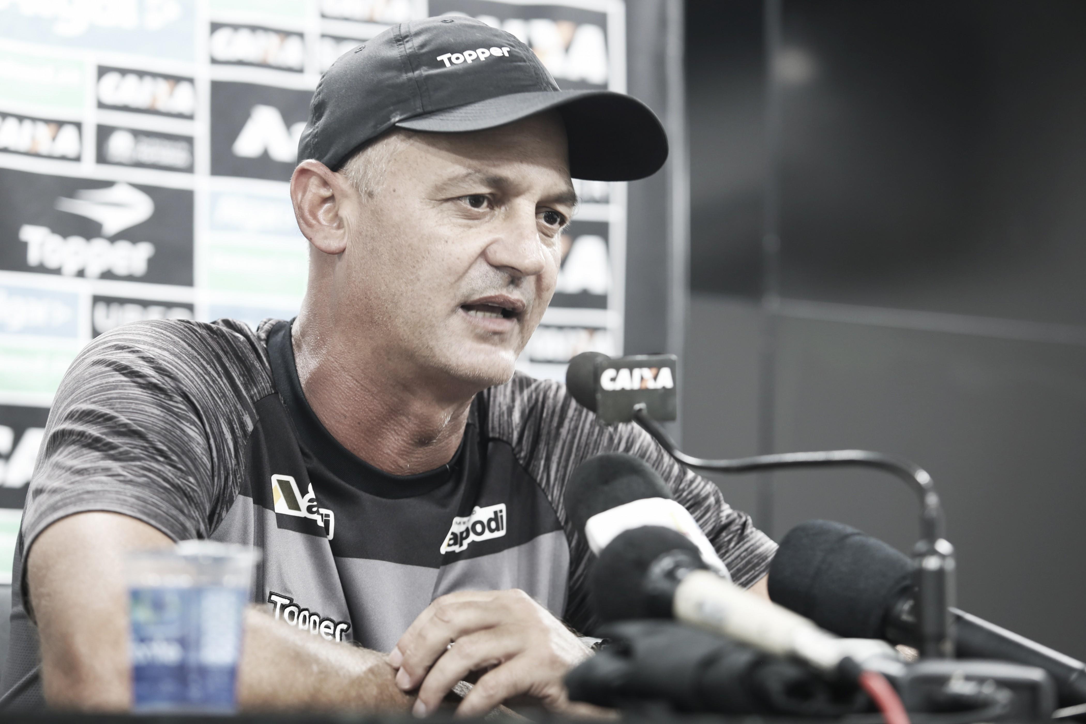 """Lisca elogia atuação do Ceará apesar da derrota contra o Grêmio: """"Jogamos de igual para igual"""""""