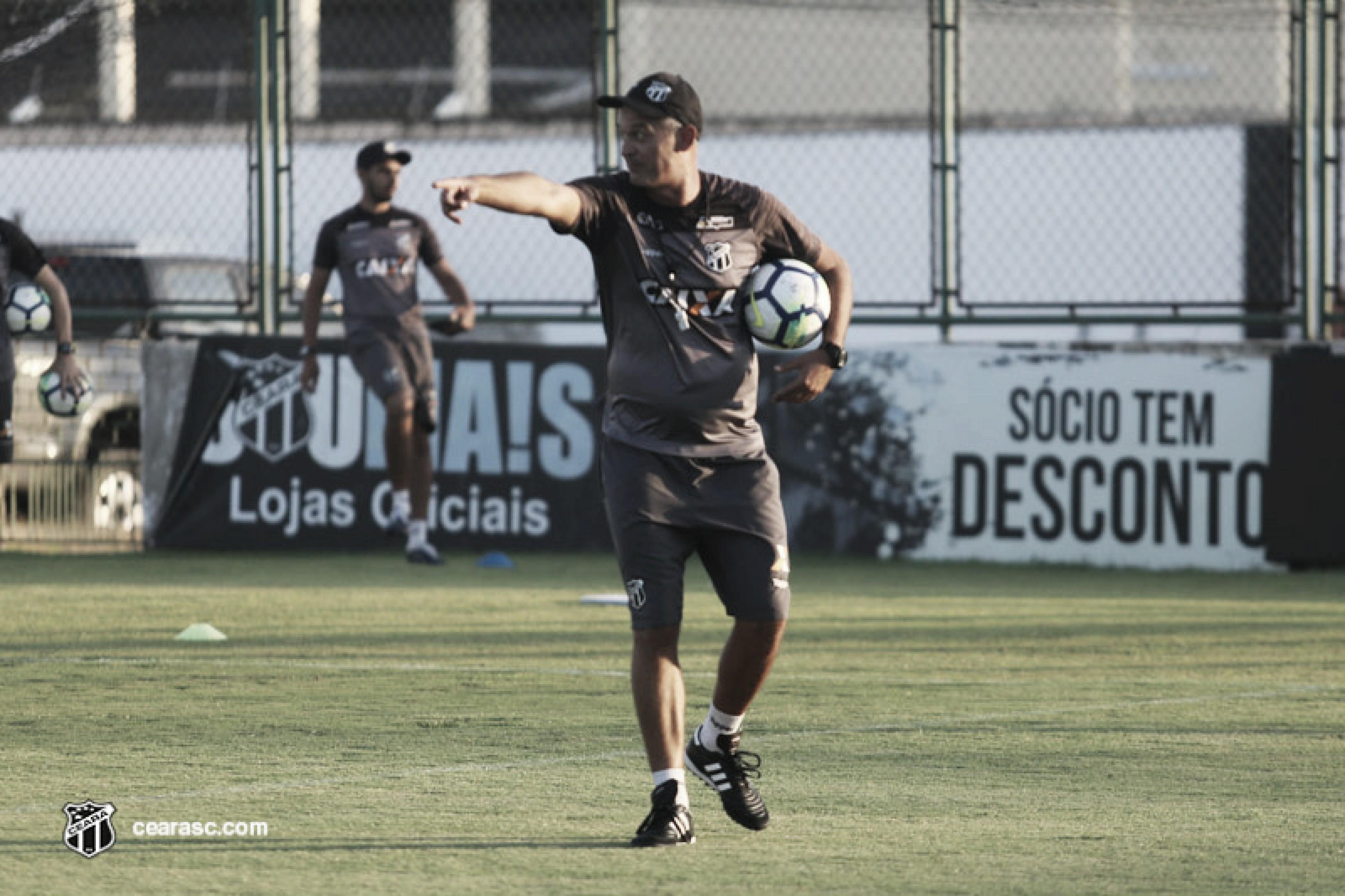 Lisca prega humildade no Ceará, mas pensa em vitória contra o Grêmio