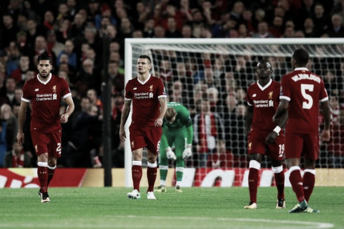"""Roy Keane: """"Con esta defensa de niños el Liverpool no va a poder con los grandes de Europa"""""""